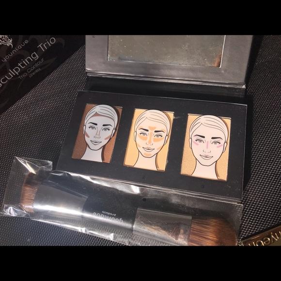 Younique sculpting trio new